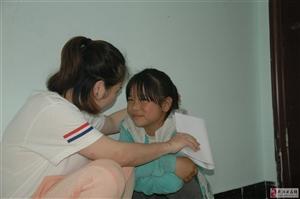 大学生实力支教,将爱带到儿童心间