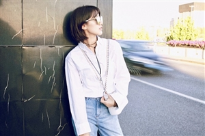 袁冰妍夏日写真曝光,明媚的笑容和夏天的光影完美结合,治愈力满分