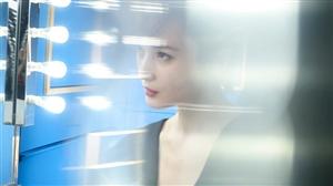 蒋勤勤最新写真,极致的光影渲染效果让我们看到了这位女神的独特魅力