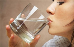 喝水都会发胖!原来与三个因素有关