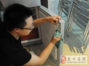 冰箱胶条老是掉,导致冰箱制冷下降,别在跑去换胶条了,维修师傅一招教你轻