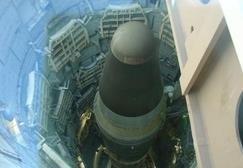 工程师手抖,扳手高空坠落击穿导弹燃料舱,千万吨级别核弹头被炸飞