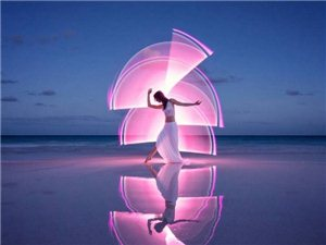 光影艺术:用光将舞蹈注入魔法