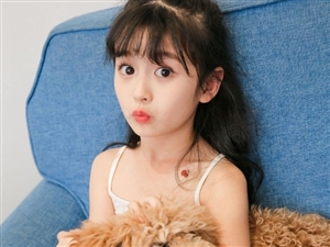 小仙女模特裴佳欣 看得心都化了,这大概是小天使吧