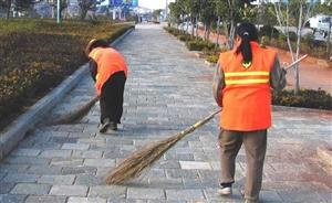 北控清洁工人,炎热不离岗,好样的
