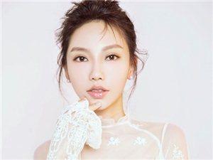 歌手贺敬轩最新写真曝光,恬静的笑容,溢屏而出的淑女气息相当有杀伤力