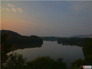 《日出》:休息日是可以4点爬起来拍日出的!