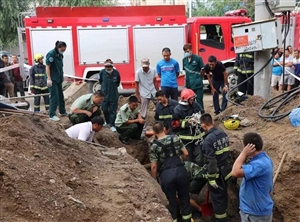 【城事】白城一施工人员在施工中由于管道坍塌,命悬一线,消防员生死营救!
