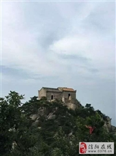 隐于深山老林、悬崖峭壁上的一座圣地,位于信阳却鲜为人知