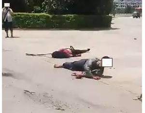 景东县月牙湾小区大门前发生一起交通事故