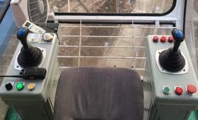带你走近塔吊的工作环境――(司机室)