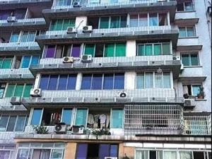 内江市中区某出租屋发现一具男尸!警方正在调查!