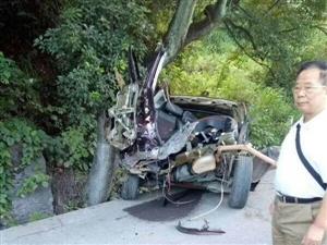 断成两截 车毁人亡 | 广汽传祺GS系SUV安全性引发质疑!