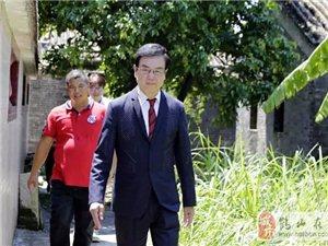 香港著名电影人黄百鸣