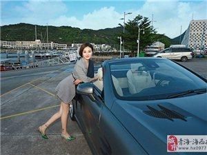 听说美女高管与奔驰SL350敞篷车更配~