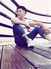 【帅男秀场】魏小宝27岁天蝎座羊毛衫