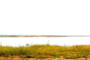 徒步处女湖      明湖无雕琢