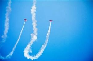 四川国际航空航天展览会飞行表演队:美国杰出飞行者表演队(两机编队)