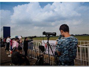 2017四川国际航空航天展览会现场花絮,手机党/摄影党大行其道(组图)