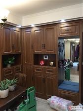新装的柜子已经全部装好,美美哒