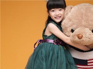 朱美澄全新单曲《成长的魔法?#20998;?#30917;推出