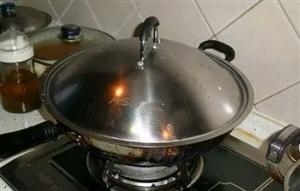 家里锅盖油腻腻?保姆只说了一句,瞬间变得干干净净