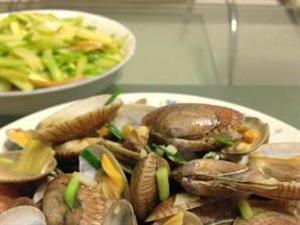 3分�快手菜――�[炒蛤蜊