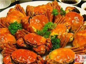 秋季吃螃蟹,但千�f不要�@么吃!半��月已�有上百人�M�t院