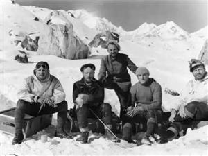 希特勒当年派人到西藏寻找日耳曼人祖先,留下了这组珍贵照片
