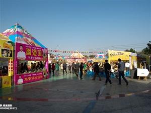 【飘视觉】首届泰国风情食博会在广汉汉街火爆登场,外国美食吃成一片天!