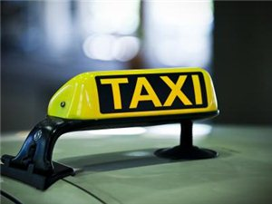 临潼是个旅游城市,像这样的出租车司机就没人能管了吗?