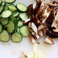美食:素炒香菇是一道清爽家常菜