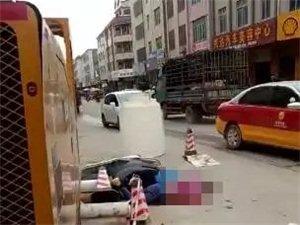 化州连发两起摩托车被撞事故,千万不要这样骑摩托车!
