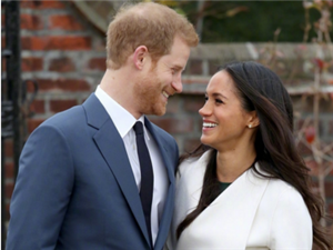 哈里王子与女友宣布订婚后携手亮相