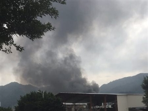 天干物燥,注意防火!!早上永春榜头工业区某工厂突然起火
