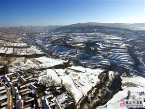 一个90农村大学生航拍的连五老家雪景美的让人哭了