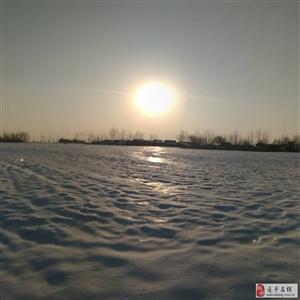 网友拍的冰天雪地