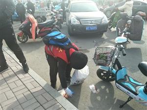 阜城三中这个小男孩火啦!放学后与阳光义工一起维护秩序做公益