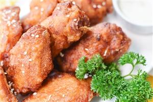 叫个鸡炸鸡安全健康,深受消费者的欢迎和信赖
