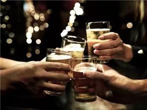 酒,少喝为妙。