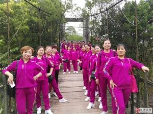 春风健身队深受大家喜欢和欢迎