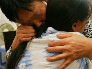 女婿打电话让我去他家一趟,得知真相,我抱着闺女嚎啕大哭!