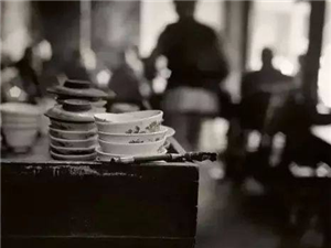 那个年代,我们总是粗茶淡饭