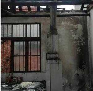 【突发】农家厨房突发大火 警民携手成功扑灭