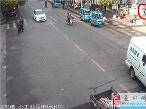 �F��版警匪追逐�穑�遂川街�^激烈上演!
