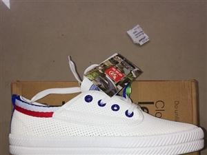 小白鞋处理了哈,要的赶快!市区内送货上门,可批发,批发私聊