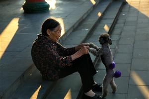 巴人广场滨河路和奶奶