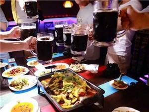 贵州一男子酒后失足摔死,6名聚餐同事被?#20449;?#20607;15万元!