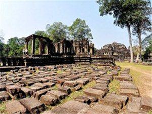 柬埔寨古迹・巴本宫殿和象台
