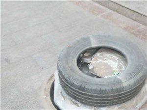 步行街下水井盖坏了,这个归什么部门管理?
